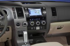 2013 Toyota Sequoia Photo 3