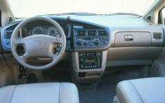 1998 Toyota Sienna interior