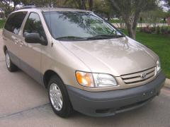 2001 Toyota Sienna Photo 1