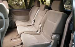 2005 Toyota Sienna interior