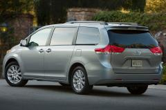 2014 Toyota Sienna exterior