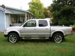 2004 Toyota Tacoma Photo 3