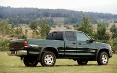 2002 Toyota Tundra 2WD exterior