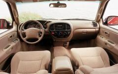 2002 Toyota Tundra 2WD interior