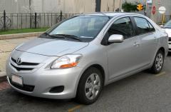 2009 Toyota Yaris Photo 1