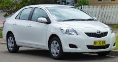 2010 Toyota Yaris Photo 1