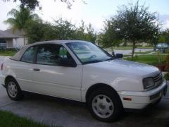 1998 Volkswagen Cabrio Photo 1