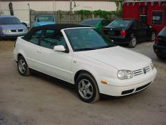 2000 Volkswagen Cabrio Photo 1
