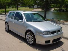 2003 Volkswagen Golf Photo 1