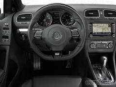 2011 Volkswagen Golf 2.5L 2-Door PZEV Photo 2