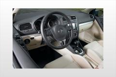 2014 Volkswagen Golf interior