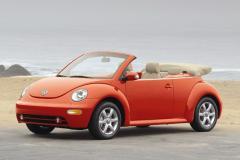 2004 Volkswagen New Beetle Photo 3