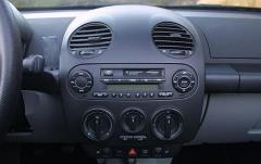 2006 Volkswagen New Beetle interior