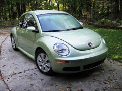 2008 Volkswagen New Beetle Photo 3