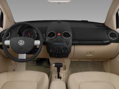 2009 Volkswagen New Beetle Photo 2