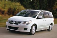 2009 Volkswagen Routan Photo 1