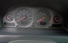 2002 Volvo S60 interior