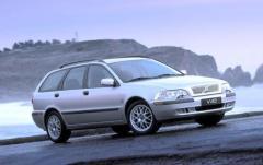 2002 Volvo V40 exterior