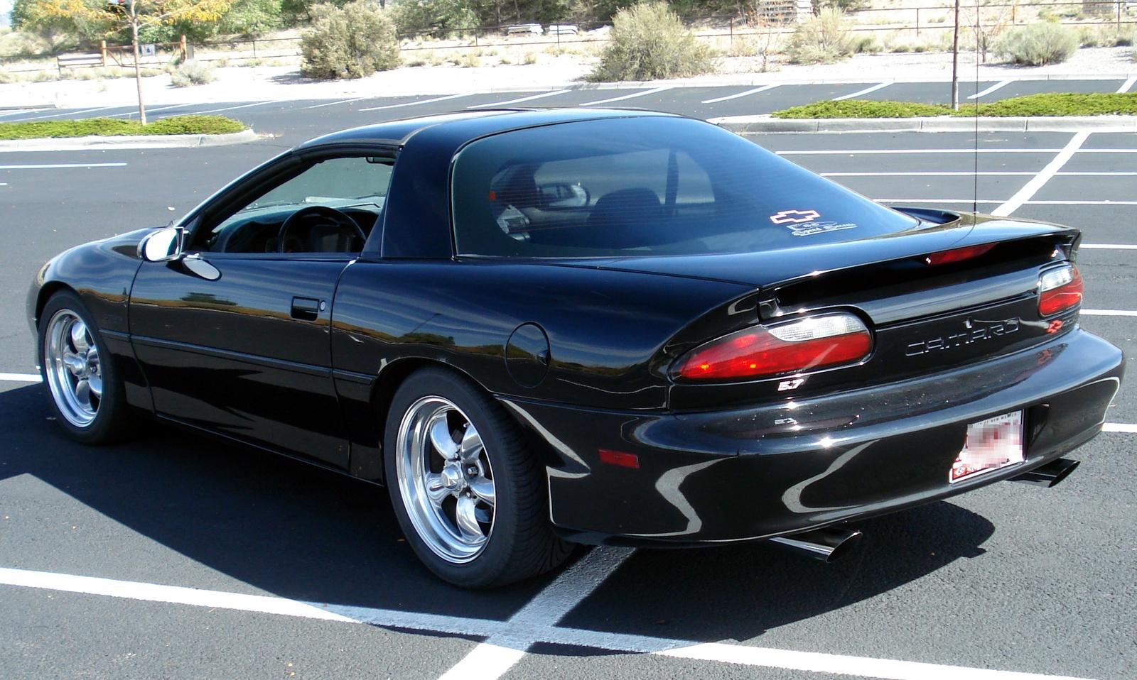 1994 Chevrolet Camaro Coupe Photo 2