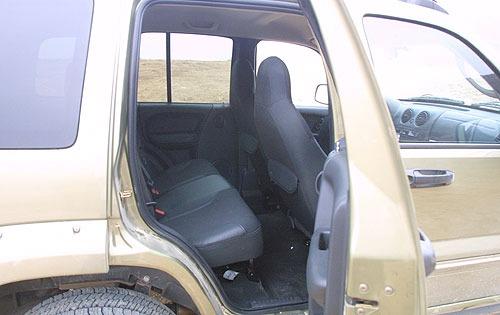 2004 jeep liberty renegade interior
