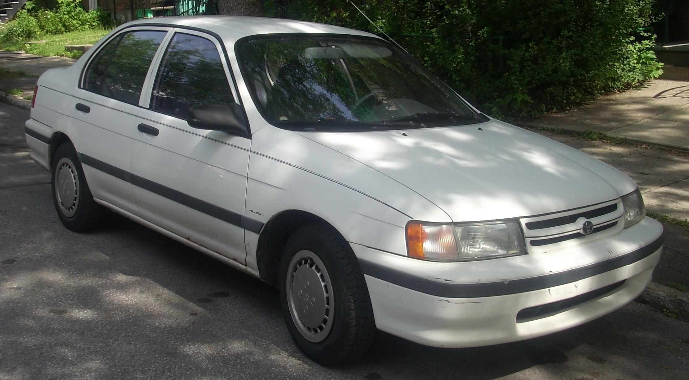 1993 Toyota Tercel DX 2-Door sedan