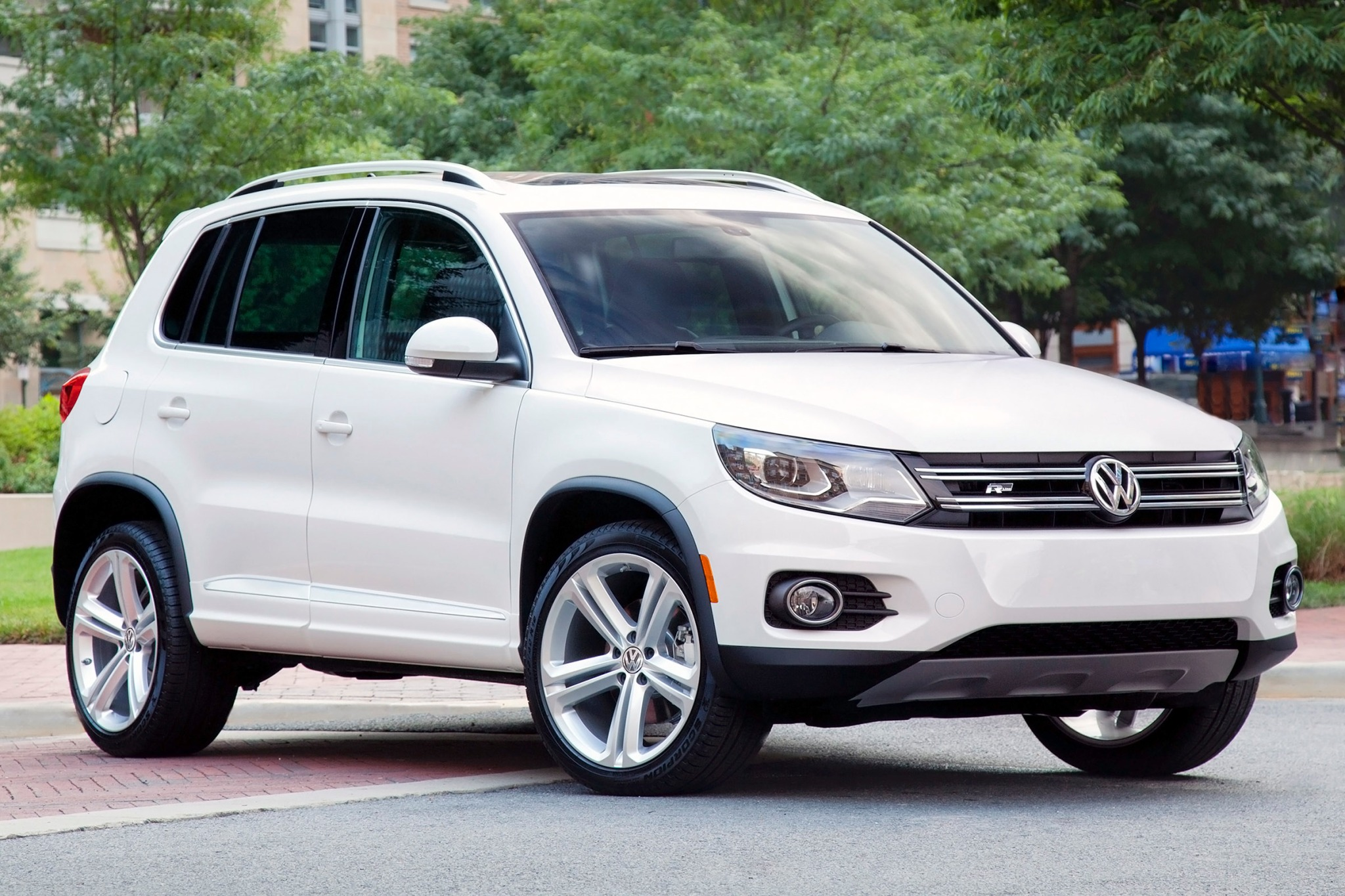 2015 volkswagen tiguan s vin number search autodetective. Black Bedroom Furniture Sets. Home Design Ideas