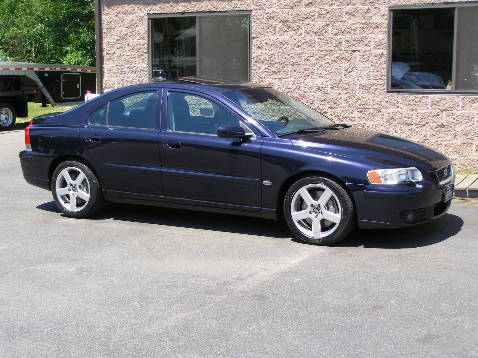 2005 Volvo S60 2 5t Awd Vin Number Search Autodetective